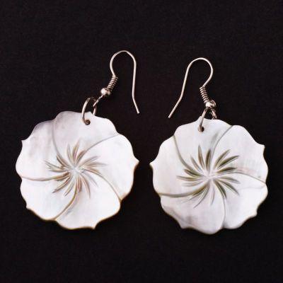 Perleťové náušnice Kvet zvodnosti