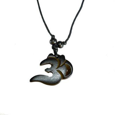 Kostený prívesok Om Nyata - tmavý, jednoduchý