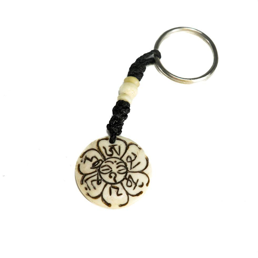 Kostený prívesok na kľúče Biela mantra