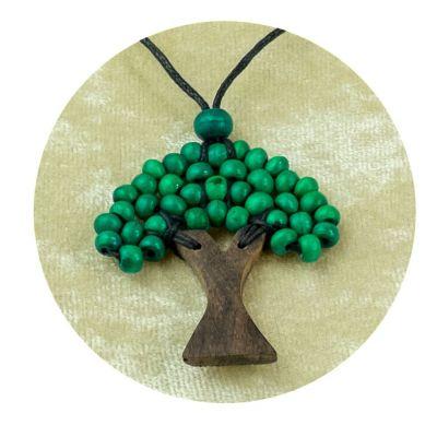 Drevený prívesok Stromček tmavo zelený | veľký