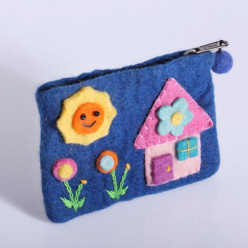 Plstená taštička s domčekom modrá